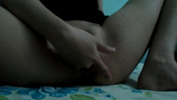 slut wife finger pussy into squirt
