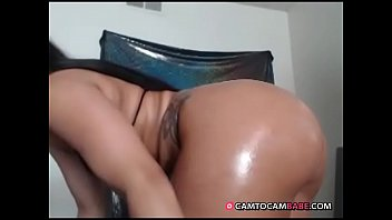 ebony oils her fat ass live show on.