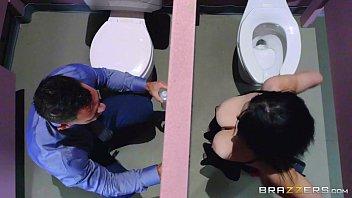 brazzers - noelle easton love bathroom.
