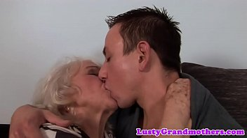 euro granny gets pussy fucked and.
