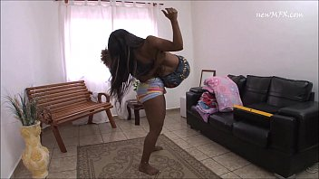ebony girls lifting and carrying -.