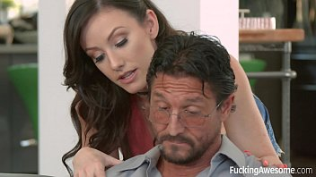 jennifer white wants her step-dad&#039_s cock