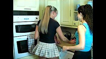 kitchen pissing girls
