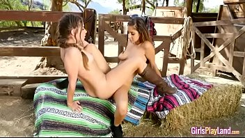 cassidy klein with nina north in wont quit.