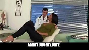 doctor la enga&ntilde_a y se la folla duro.