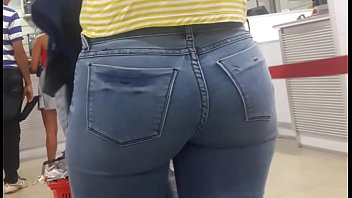 public ass in tight jean 1