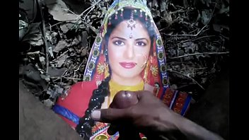 desi boy tribute with actress katrina.