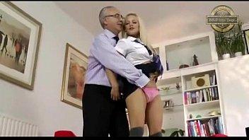 alter mann und junges girl cut