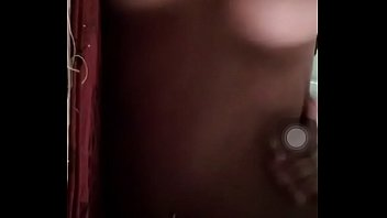 indian girl boobs show instagram