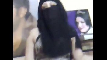 me in niqab dancing with tight.