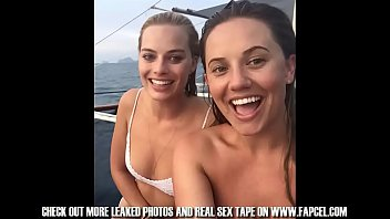 margot robbie full collection of nude and naked.