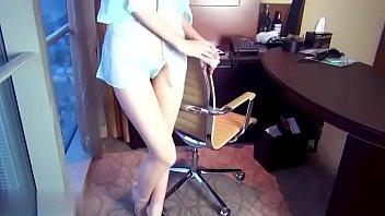 深圳大boss拍摄秘书穿透明性感内衣视频,发给集团老总,送个美女过去公司订单就比较顺利 - 搜索微信公众号:我叫坏坏