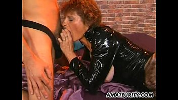 amateur mom getting fucked with a.