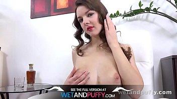 wetandpuffy - curly rebeca - masturbation