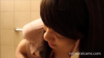 hot asian masturbates in public toilet and squirt hd