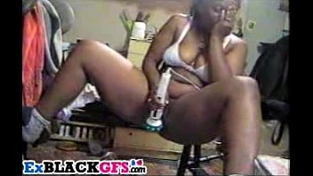 chubby black gf toying her squirting.