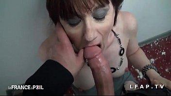 cette mature est une femme d experience pour.