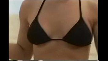 milf en bikini negro