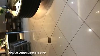 cewek cina medan main di toilet