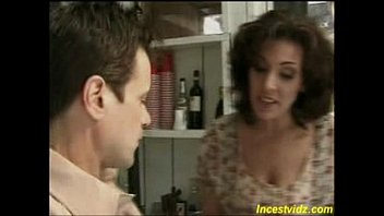 hot mother decided teach first sexual lesson her.