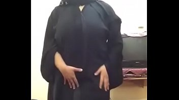 arab hijab bbw lady doing cam show for.