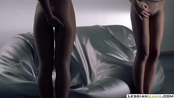 lesbiancums.com ⇨ sweet lesbian panties out.