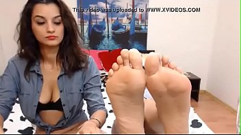 two lesbians on cam show