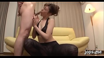 slim babe licks penis like a lolly to.