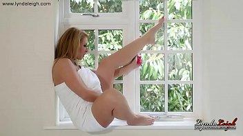 british milf lynda leigh amazing body naked masturbate.