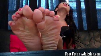 worship my feet and suck on.