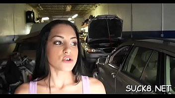 slut sucks penis inside the car
