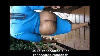 robe sexy ouverte sur les fesses d&#039_une bbw.