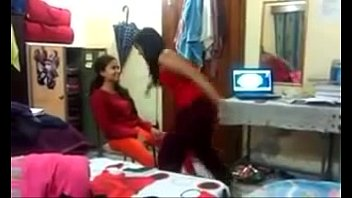 hostel girl dance - hot dance