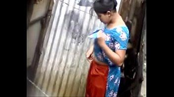 desi girl bathing