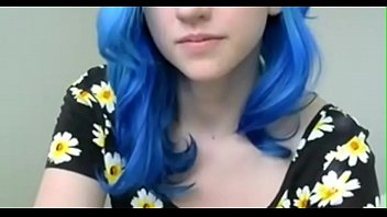 crazyamateurgirls.com - blue haired girl in flowers plays.