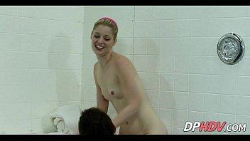 gym babes shower together 2 002