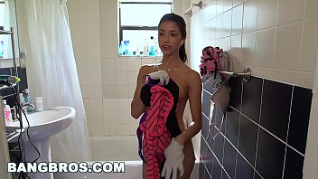 bangbros - petite latina cleaning lady veronica rodriguez.