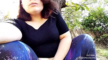 pissing outside! come watch lilkiwwimonster wet her panties.