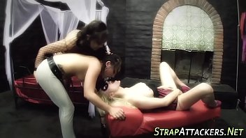 toying lesbian squirts