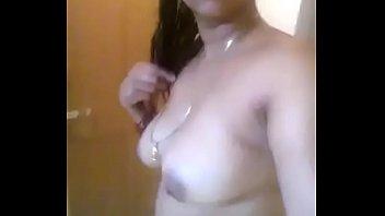 desi aunty bath self recording