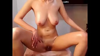 hot girl naked with wet body and live.