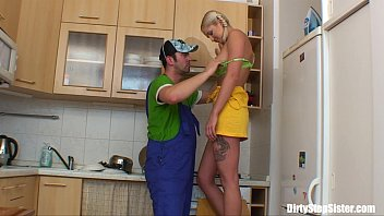 blonde russian teen gets her pussy.