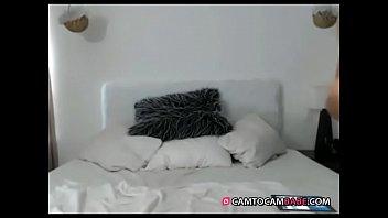 brunette nude dancing on bed live.