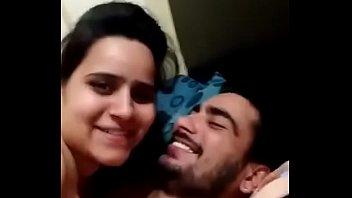 vijay tv kalakapovadhu yaru anchor jackline with her.