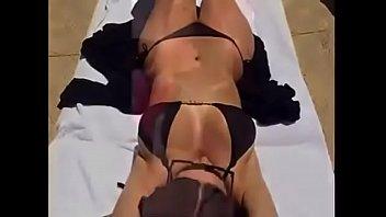 kim kardashian en bikini
