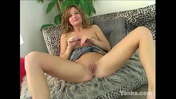 yanks nadia loves to cum