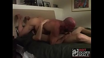 dad fucks his nasty boy / papa folla.