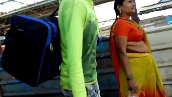 bhojpuri aunty boobs in station