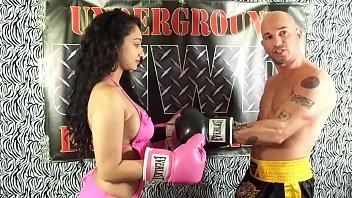 uiwp entertainment mixed match man vs women boxing.