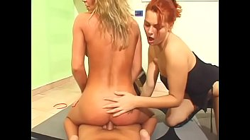 redhead and blonde chick on floor sucks and.